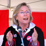 Carolyn_Bennett_at_podium-Crop