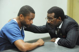 "THE PEOPLE v. O.J. SIMPSON: AMERICAN CRIME STORY ""The Dream Team"" Episode 103 (Airs Tuesday, February 16, 10:00 pm/ep) -- Pictured: (l-r) Cuba Gooding, Jr. as O.J. Simpson, Courtney B. Vance as Johnnie Cochran. CR: Byron Cohen/FX"
