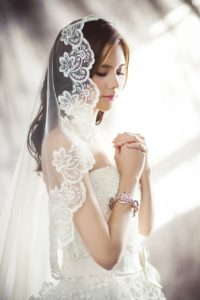 wedding-dresses-1486256_1280